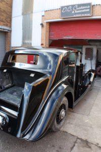 1939_Rolls_Royce_Wraith right side